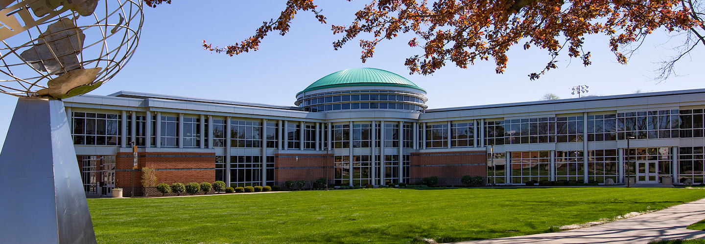 Snyder Academic Building on Indiana Tech's campus