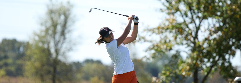 Cecilia Heck Golfing