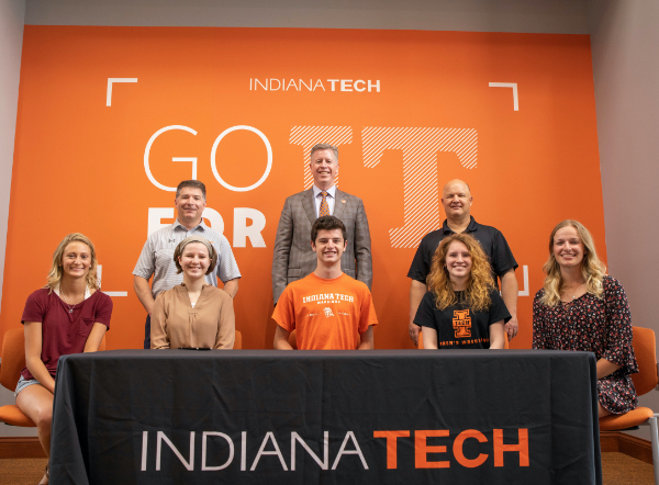 Students earn scholarships to Indiana Tech